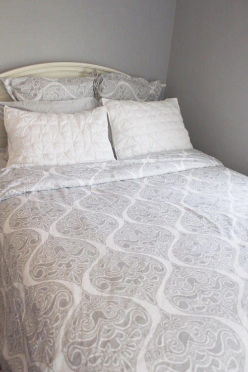 Pretty pottery barn bedding